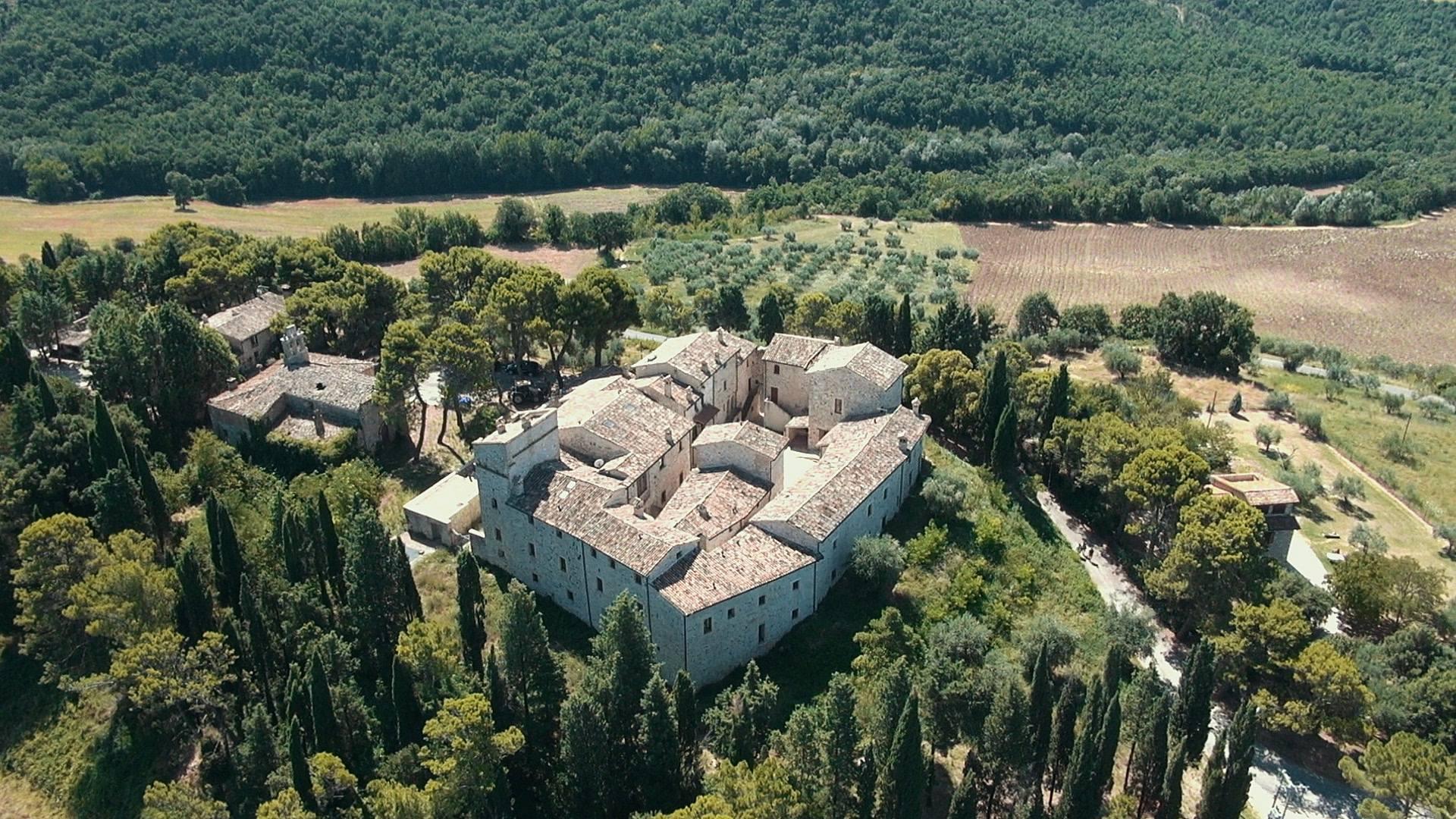 castello petroro alto foto