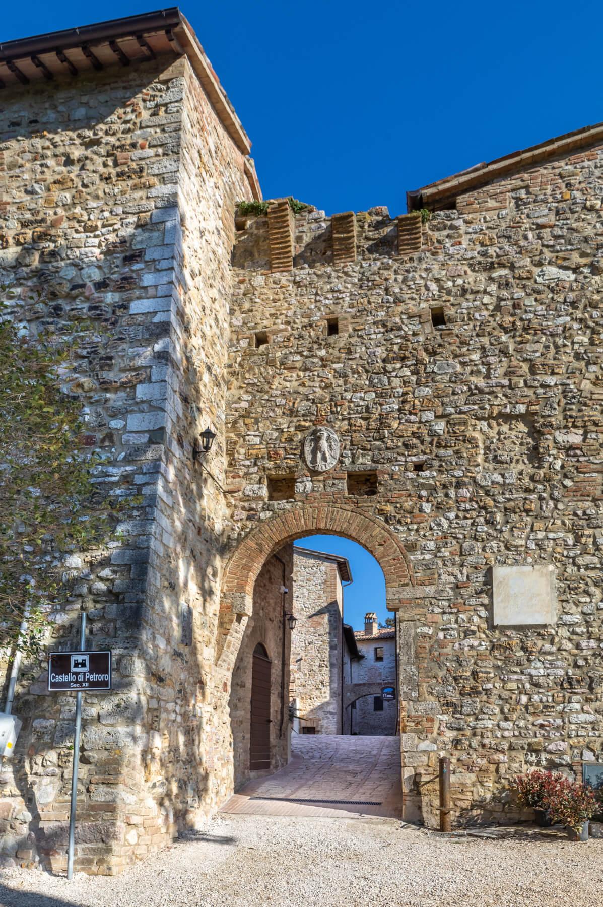Arco Castello Petroro