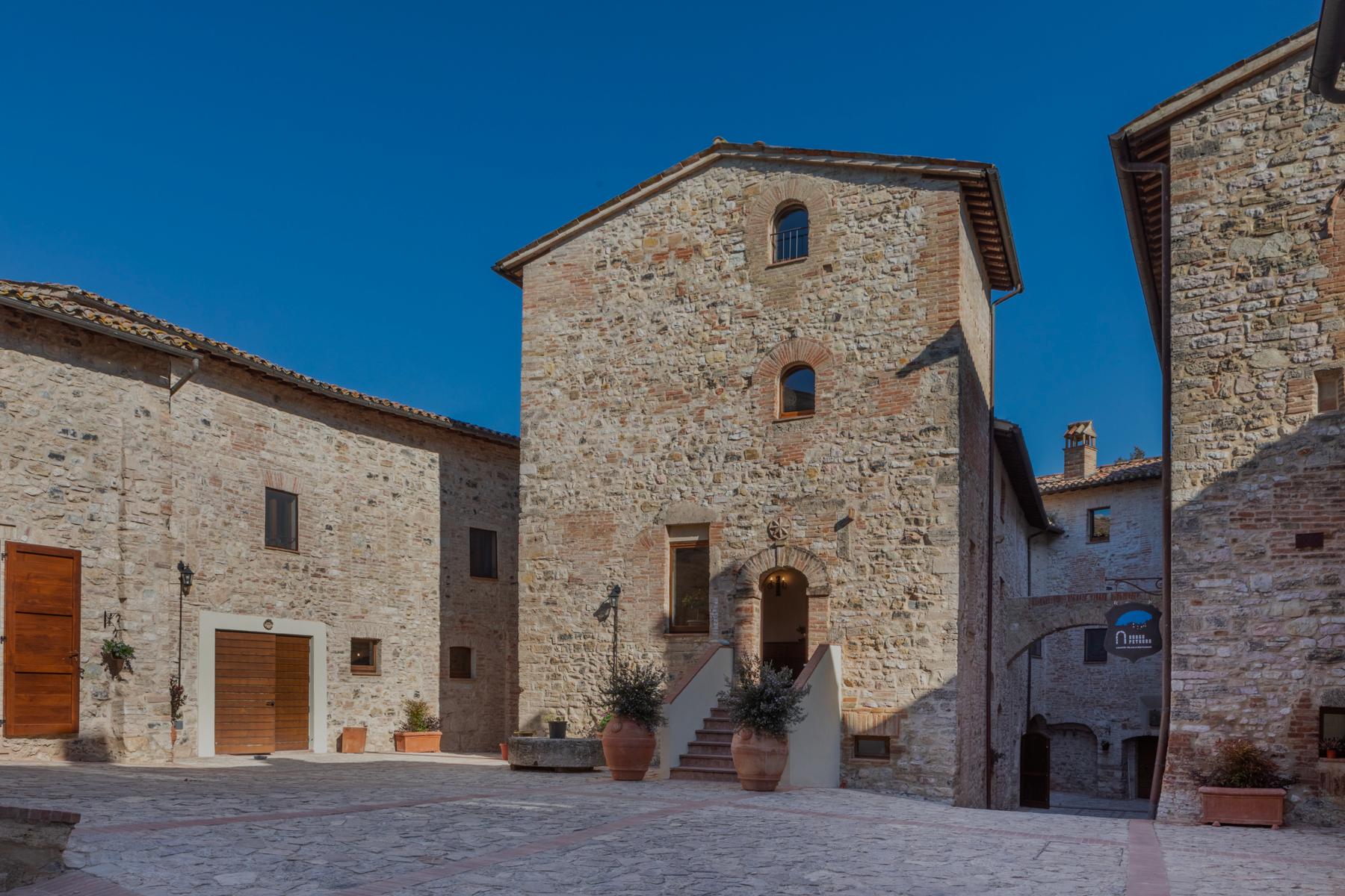 Borgo Petroro